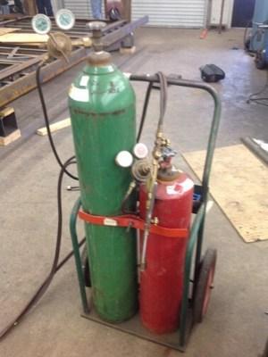 кислородно-ацетилен-сварочный газ